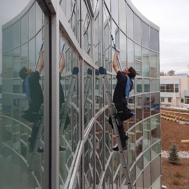 washing a window in durango colorado